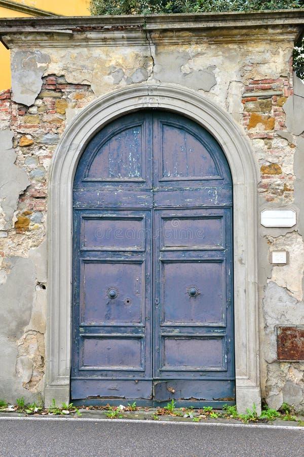 Double entrée principale bleue photo libre de droits