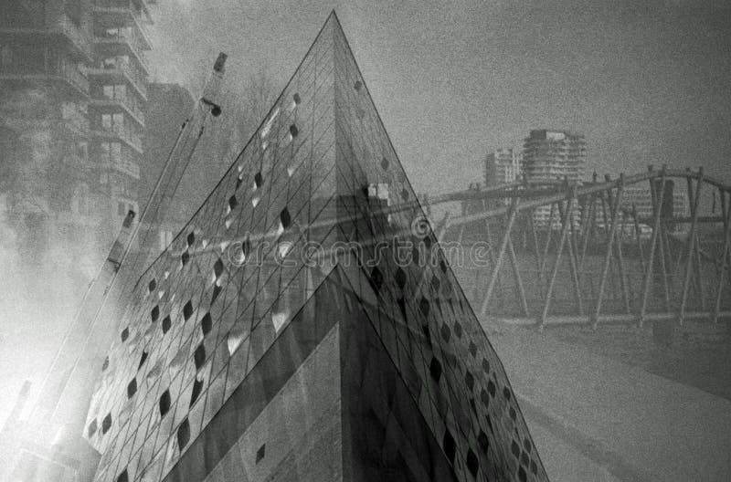 Double exposition d'un bâtiment de concert photo stock