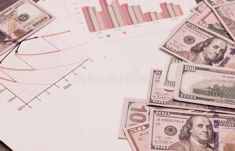 Double exposition du concept de l'argent d'économie pour les besoins humains photo libre de droits