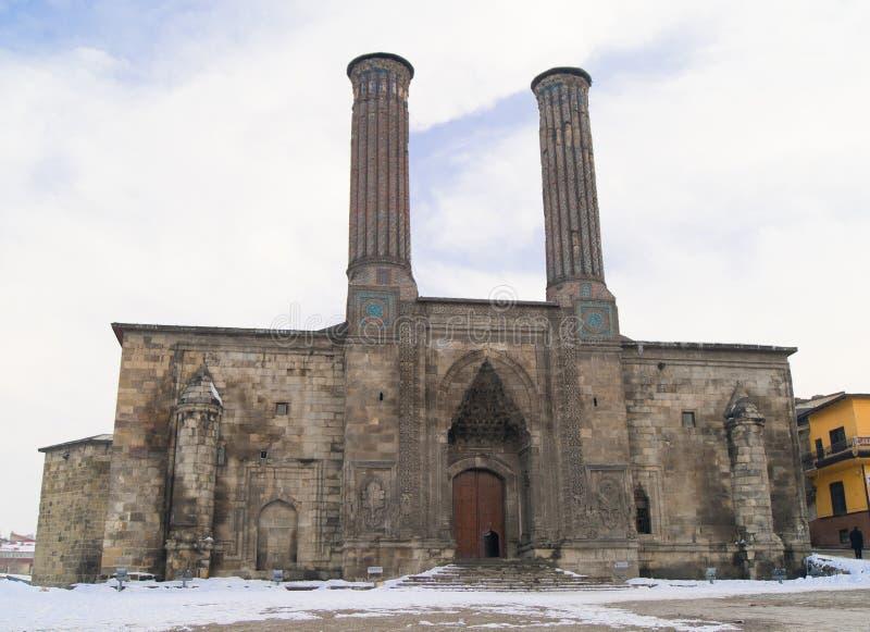 Double minaret Medresse Erzurum, Turquie. image stock