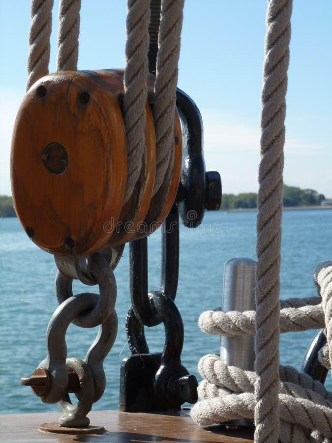 Double poulie avec le fond de mer photos libres de droits
