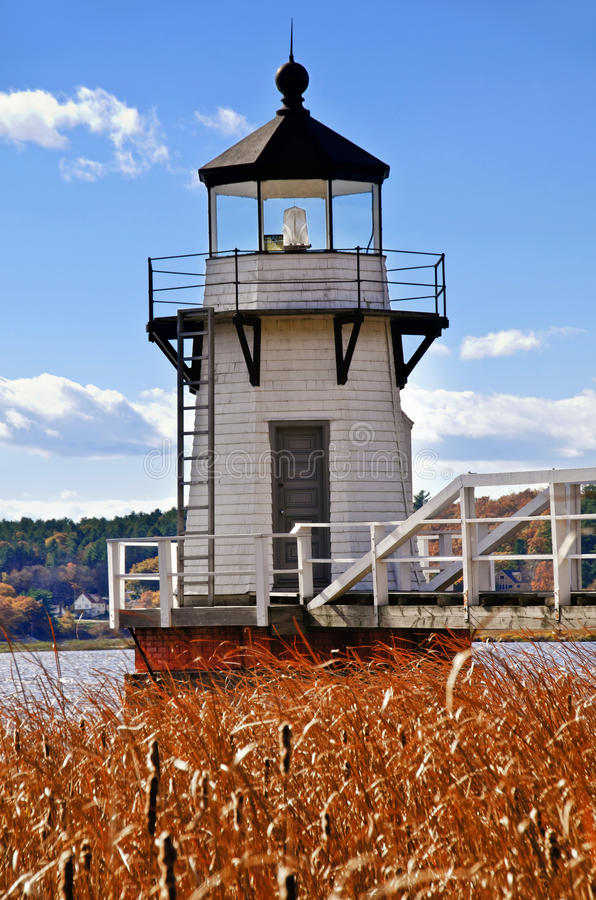 Free Doubling Point Lighthouse Stock Photo - 27370980