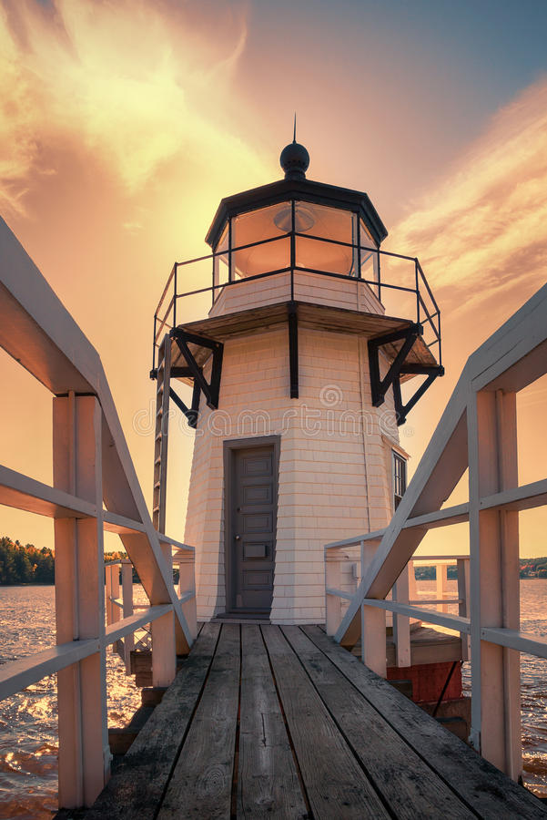 Free Doubling Point Lighthouse In New England Stock Image - 61525071