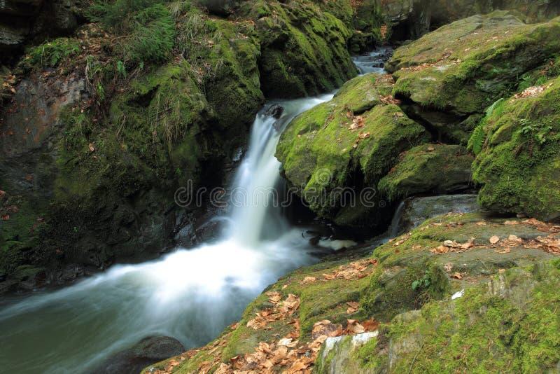 Doubrava vattenfall royaltyfria foton