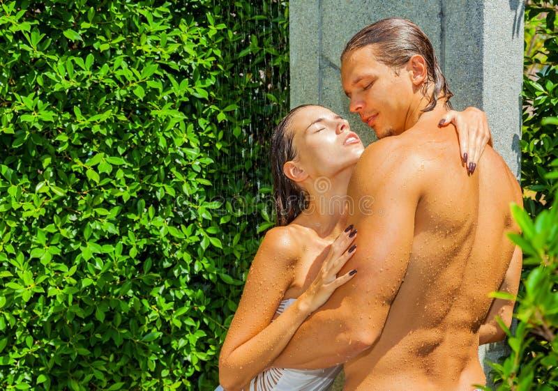 Douche de détente photo stock