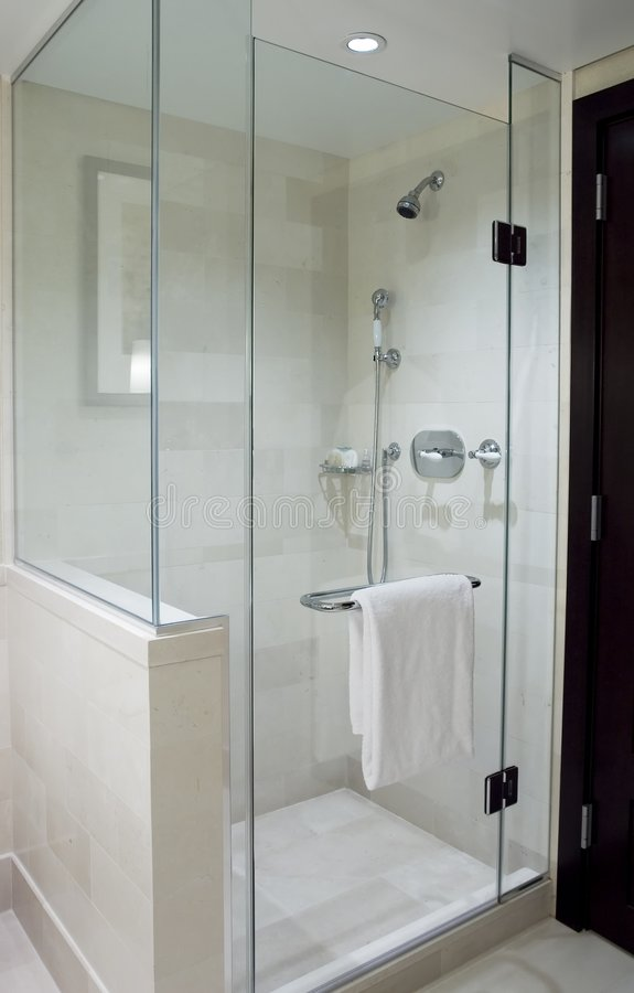 Douche moderne images stock