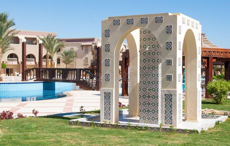 Doucheruimte in een Marokkaanse stijl op een toevlucht in Egypte royalty-vrije stock afbeeldingen