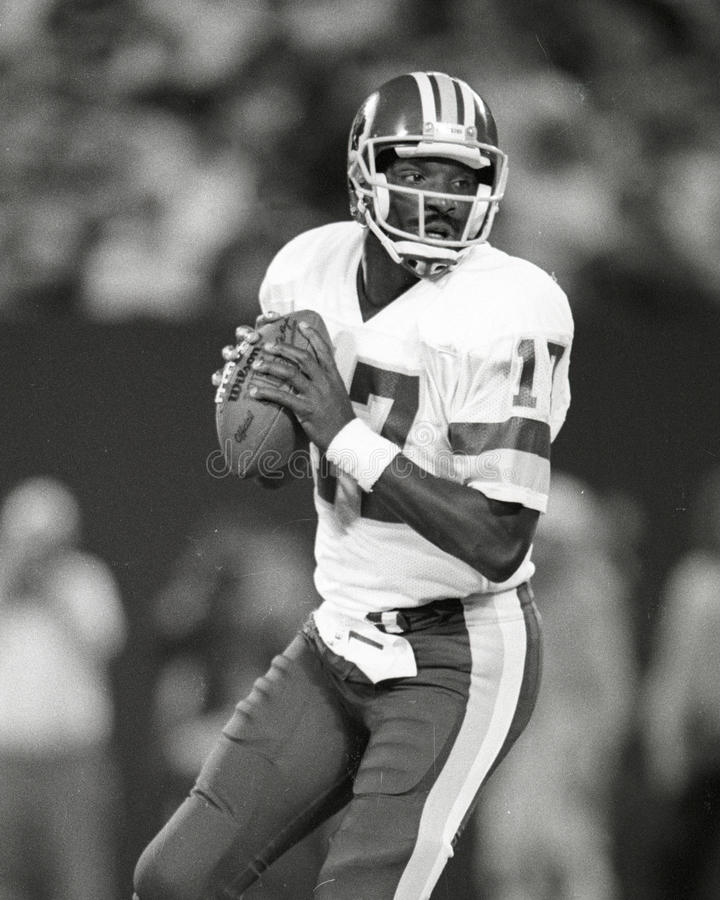 Doug Williams. Washington Redskins QB Doug Williams, #17. (Image taken from B&W negative stock photo