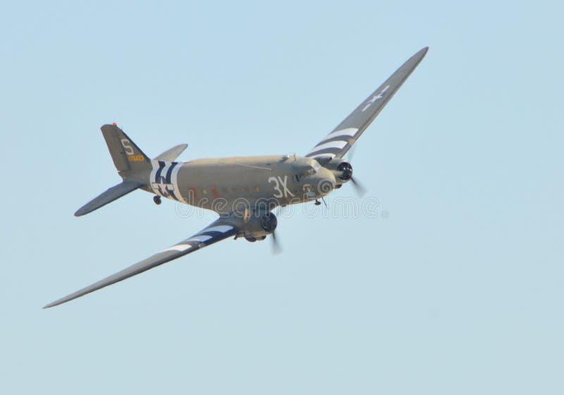 Douglas C-53D Skytrooper un temps clair image stock