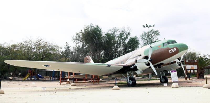 DOUGLAS CC$DS, C-47/przewieziony samolot - Dakota - fotografia stock