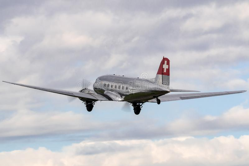 Douglas DC-3C tappningtrafikflygplan N431HM arkivbilder