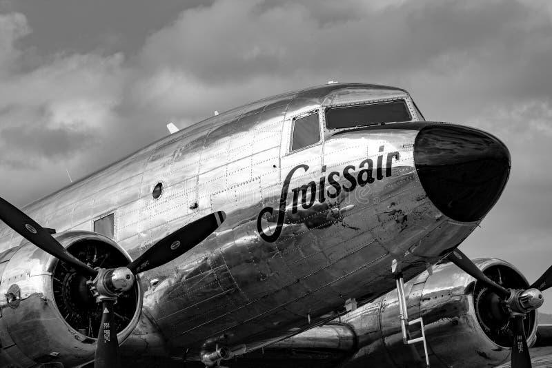 Douglas DC-3C tappningtrafikflygplan N431HM arkivfoton