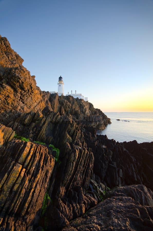 Douglas-Leuchtturm mit Klippen auf Insel des Mannes stockfoto