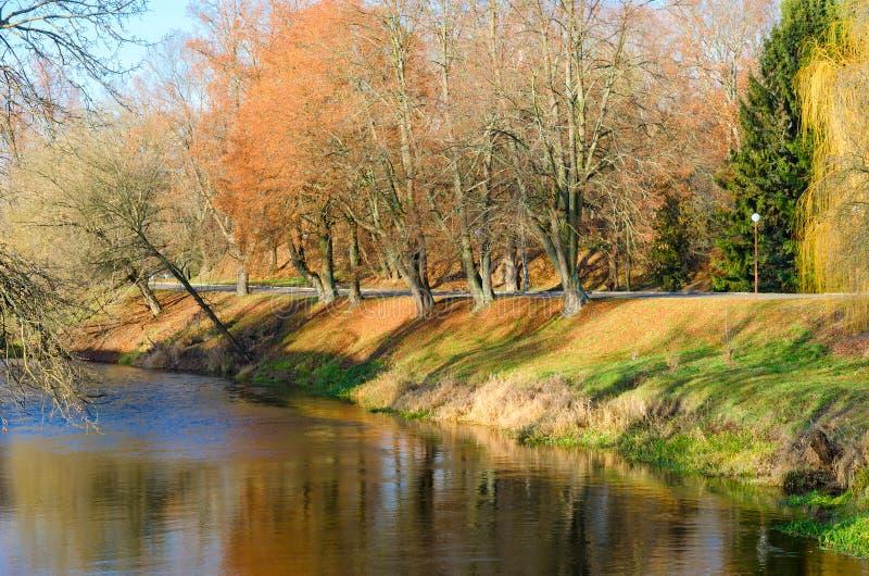 Douille de rivière de Mukhavets sur le territoire de la forteresse de Brest, Belarus photos libres de droits
