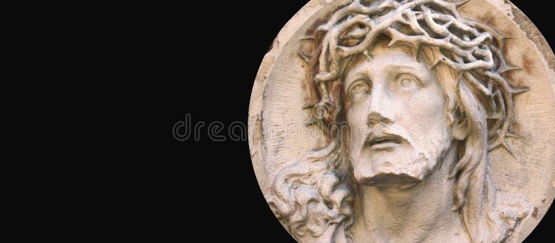 Douleurs de Jesus Christ sur un fond foncé (statue de tombe) photos libres de droits