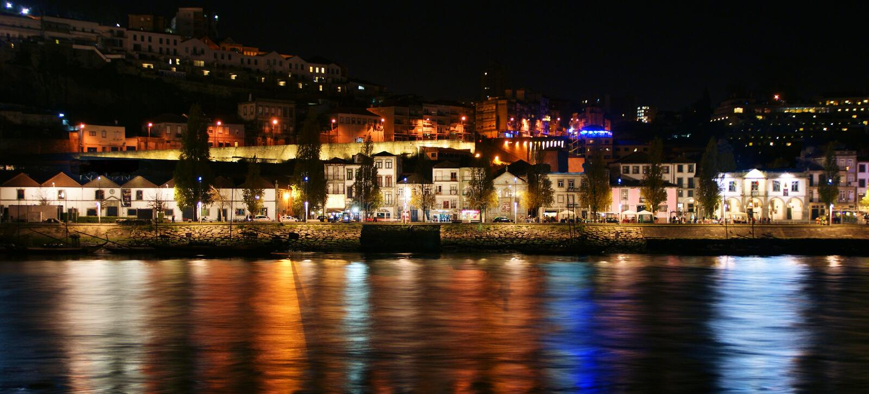 Douro River near Ribeira in Oporto stock photography
