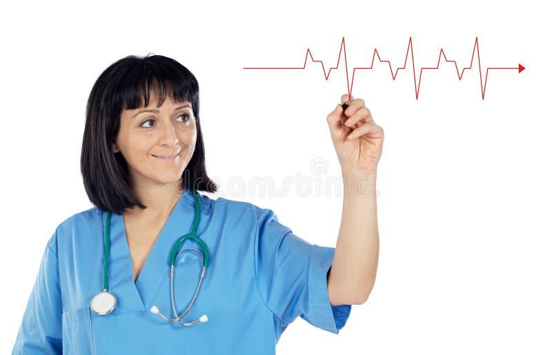 Doutor da mulher que desenha um gráfico fotos de stock