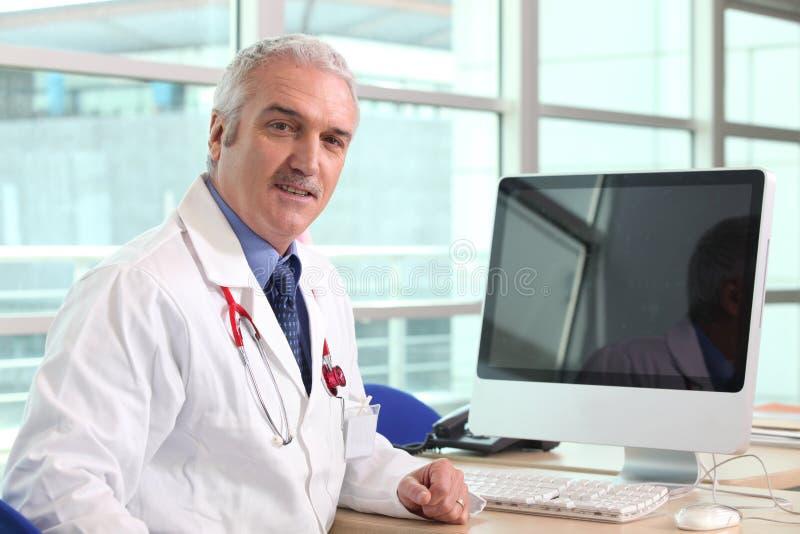 Doutor de hospital imagens de stock