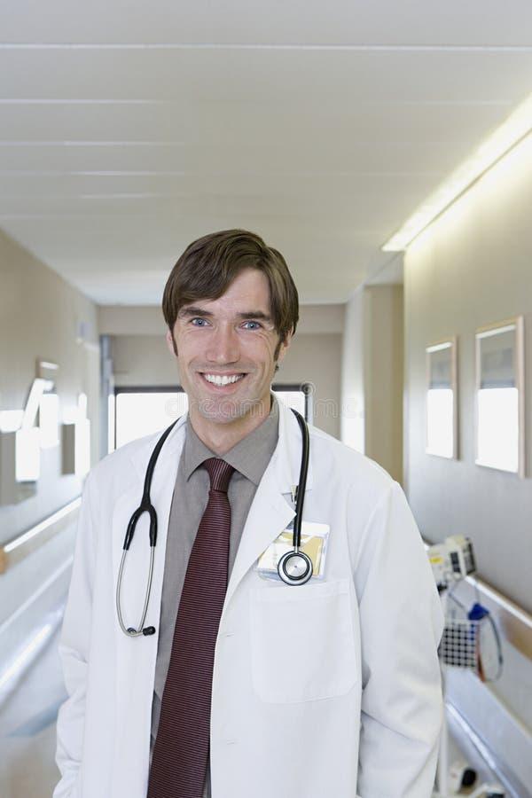 Doutor de hospital imagens de stock royalty free