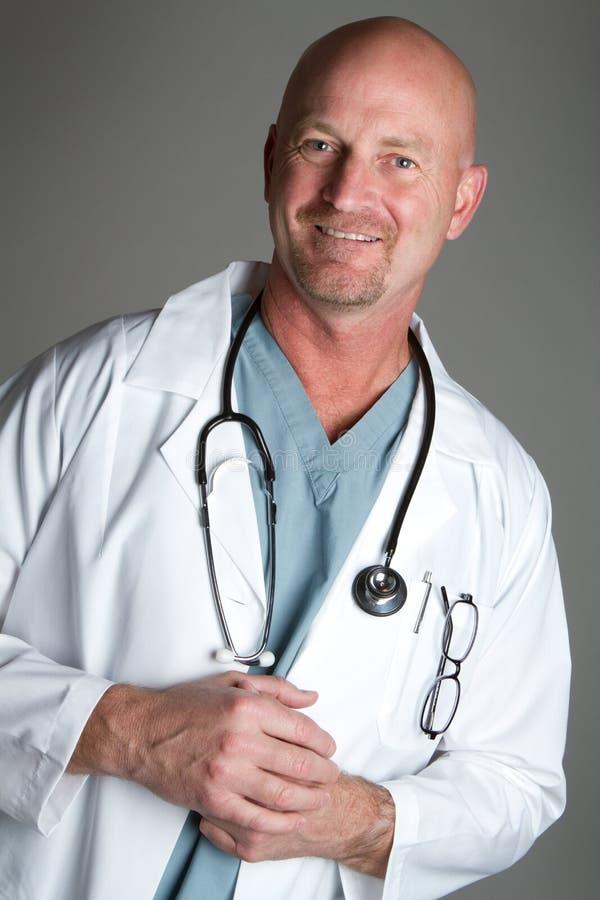 Doutor de sorriso fotografia de stock royalty free