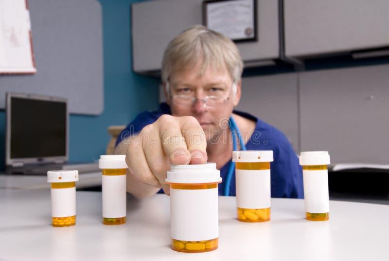 Doutor e medicamentação fotos de stock