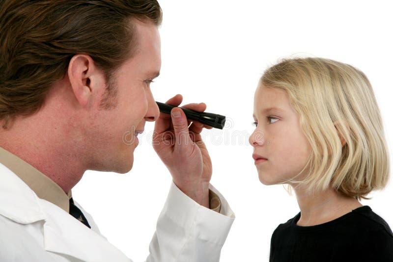 Doutor e paciente de olho foto de stock royalty free