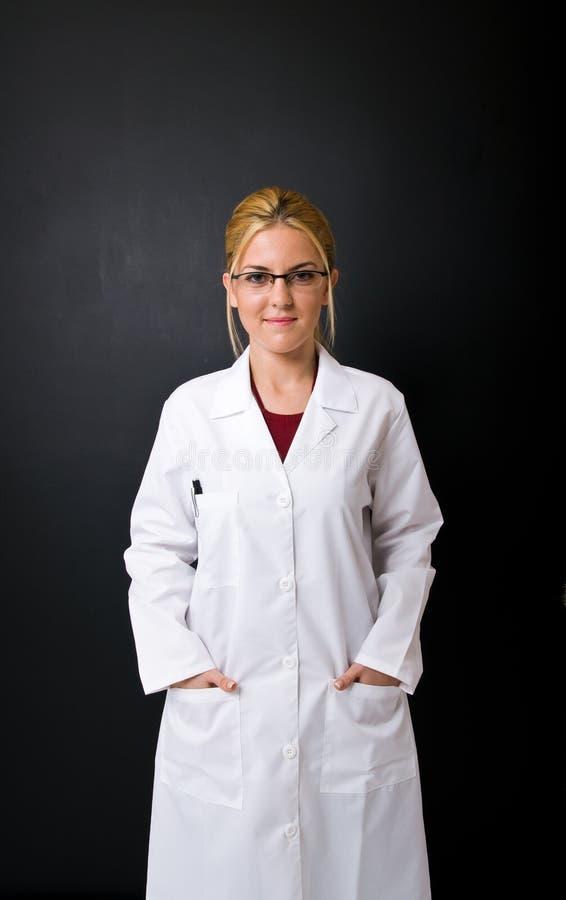 Doutor fêmea bonito imagens de stock royalty free