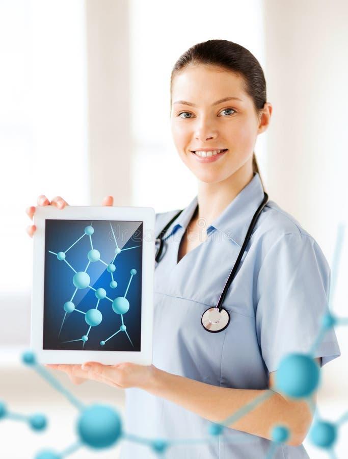 Doutor fêmea com PC e moléculas da tabuleta fotos de stock royalty free