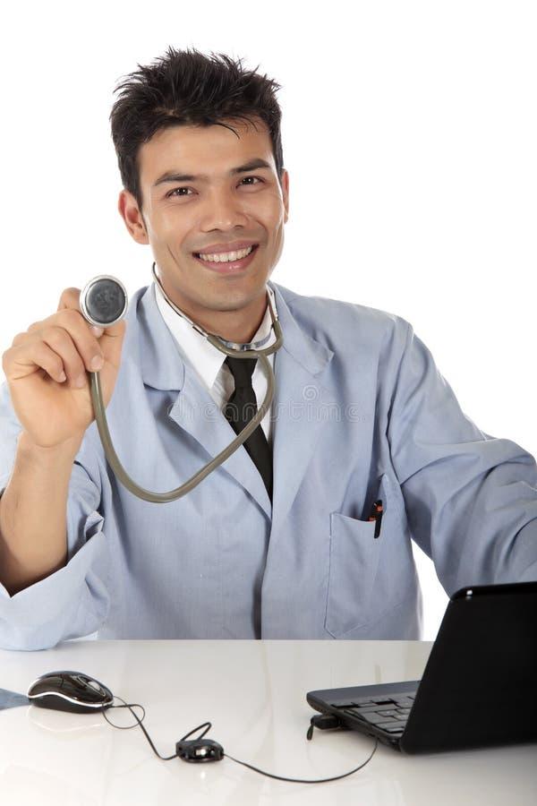 Download Doutor Masculino Nepalês Considerável Novo Foto de Stock - Imagem de comunique, fundo: 16866388