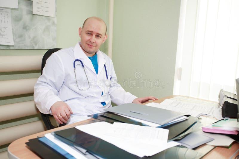 Doutor no trabalho fotografia de stock royalty free