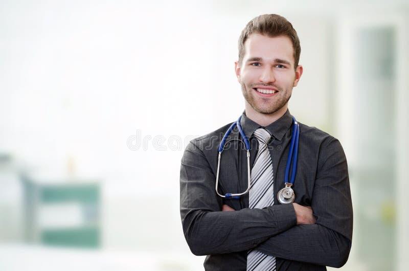 Doutor novo considerável no escritório fotografia de stock
