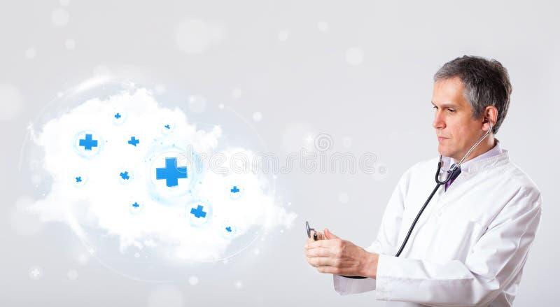 Download Medique A Escuta A Nuvem Abstrata Com Sinais Médicos Foto de Stock - Imagem de emblema, clínica: 29844978