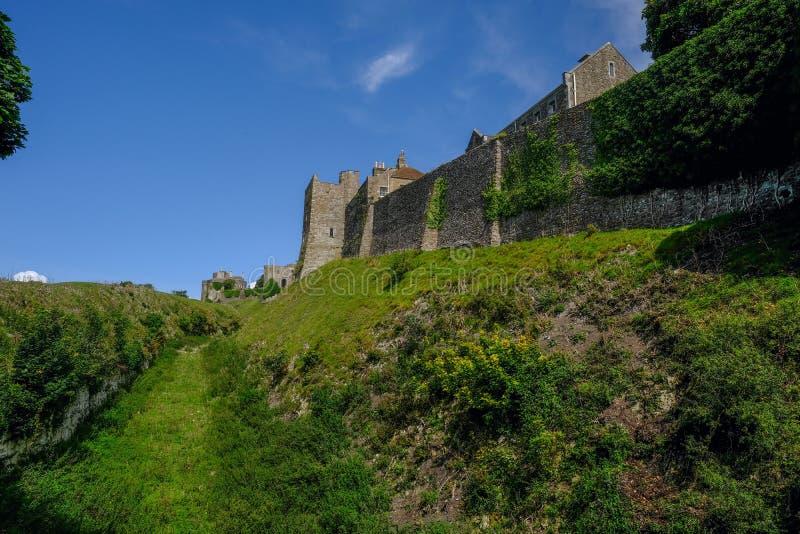 Douvres, Kent, R-U - 18 août 2017 : Fortificati de mur de château de Douvres image libre de droits
