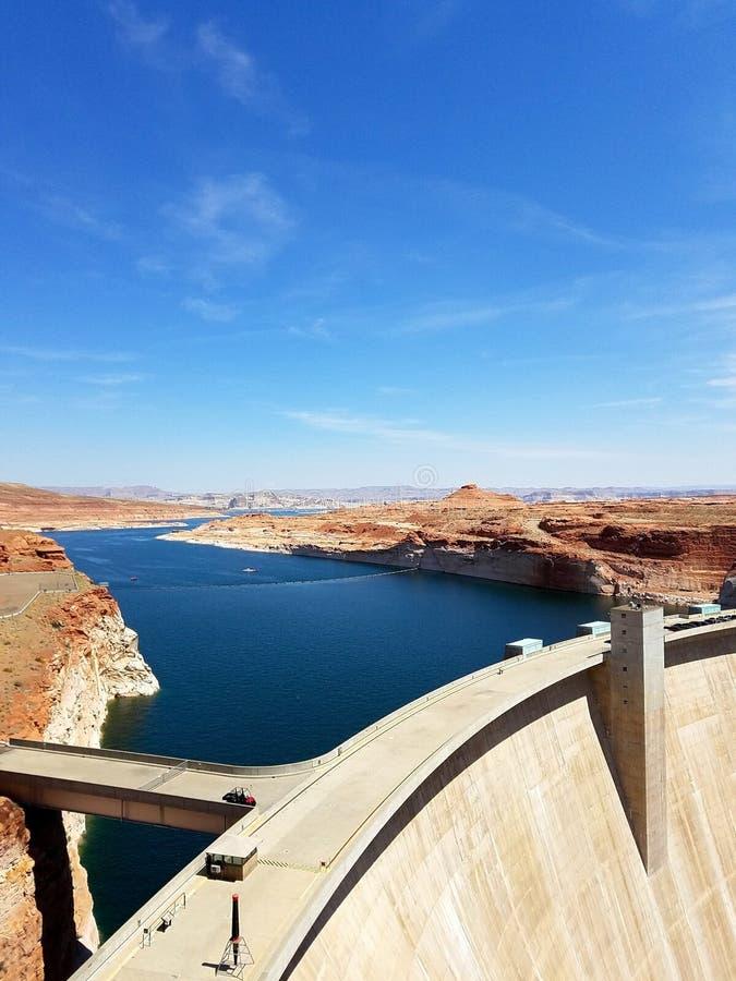 Dove il fiume Colorado smette di scorrere, Glen Canyon Dam immagini stock libere da diritti