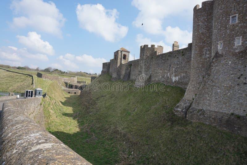 Dover Castle från yttersidan arkivfoto