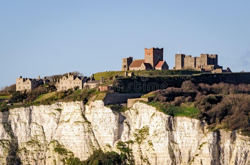 Dover, England, vita klippor och slott arkivfoto