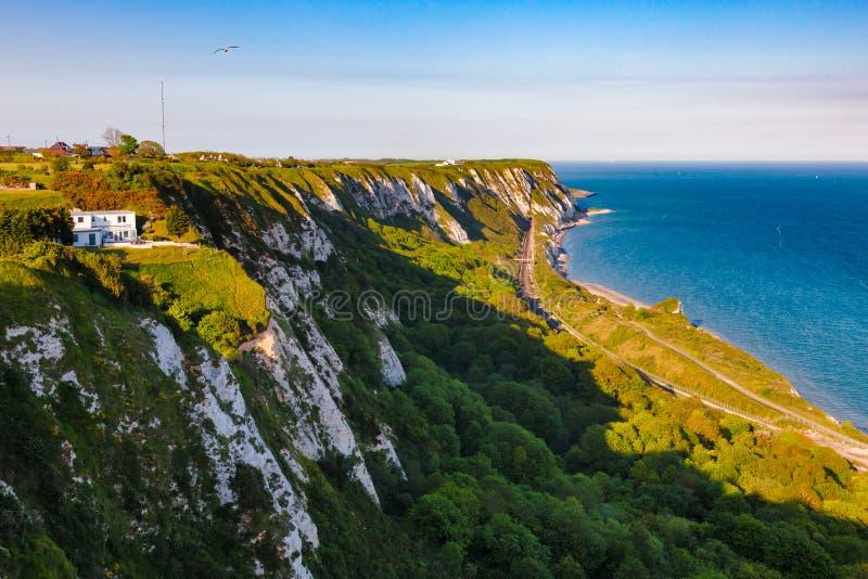 Dover White Cliffs flyg- sikt Kent Southern England UK royaltyfria bilder