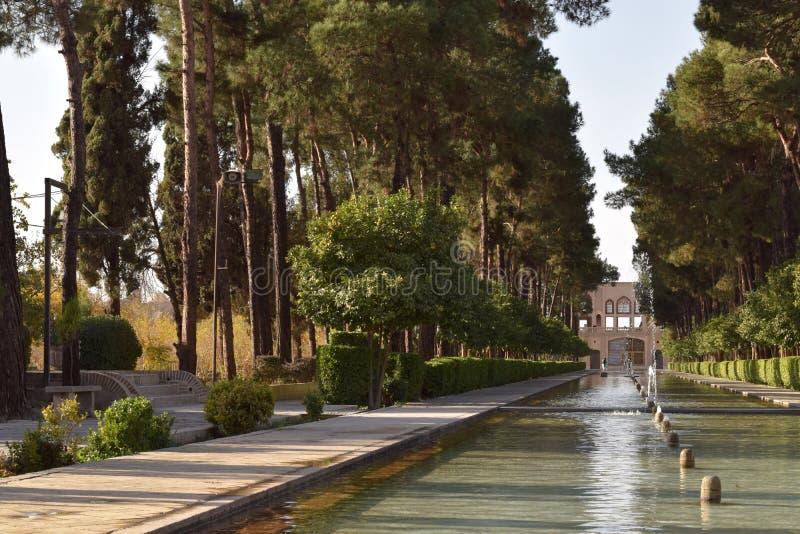 Dowlat Abad庭院在亚兹德,伊朗 免版税库存图片