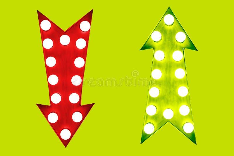 Down och gräsplan för för- och nackdelar röd upp retro pilar för tappning som är upplysta med ljusa kulor på grön bakgrund royaltyfri illustrationer