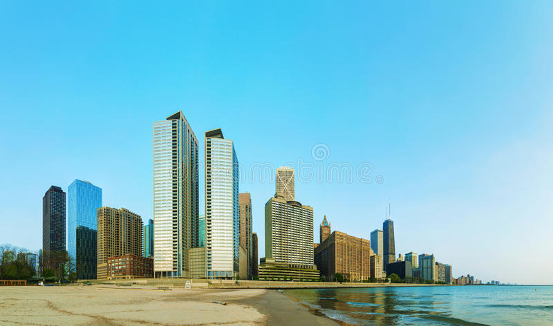 Download Downtown Chicago, IL In The Morning Editorial Photography - Image: 33013452