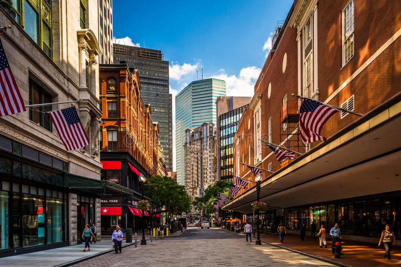 Shopping in Boston. For those of you who favor urban chic, the traditional and classic or upscale funky, our shops and stores are certain to please. The quality and versatility of our imaginative boutiques, Boston, MA