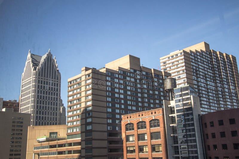 Downtown Detroit Michigan Wolkenkratzer Stadtseite lizenzfreie stockfotos