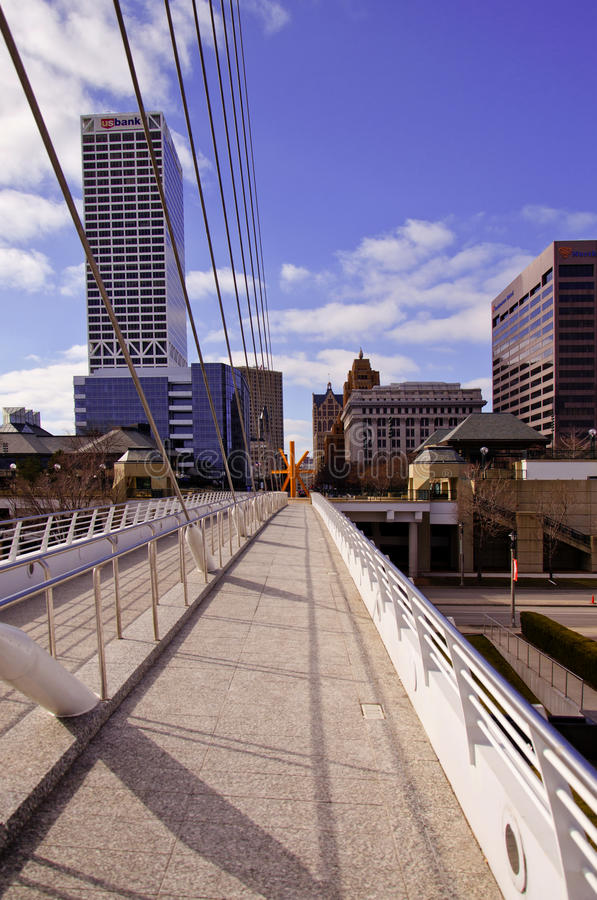 Download Downtown Milwaukee From Calatrava Exhibit Editorial Image - Image of scenic, skyscrapers: 23450545