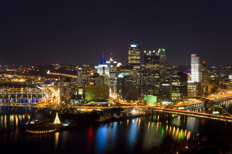 Pittsburgh Skyline Christmas 2021 1 979 Pittsburgh Skyline Photos Free Royalty Free Stock Photos From Dreamstime