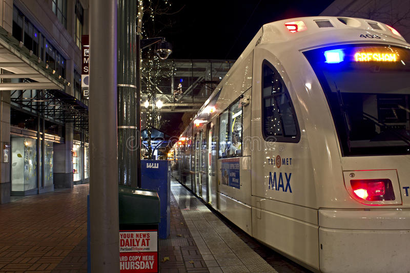 Download Downtown Portland Oregon Max Train Editorial Photography - Image: 27649092