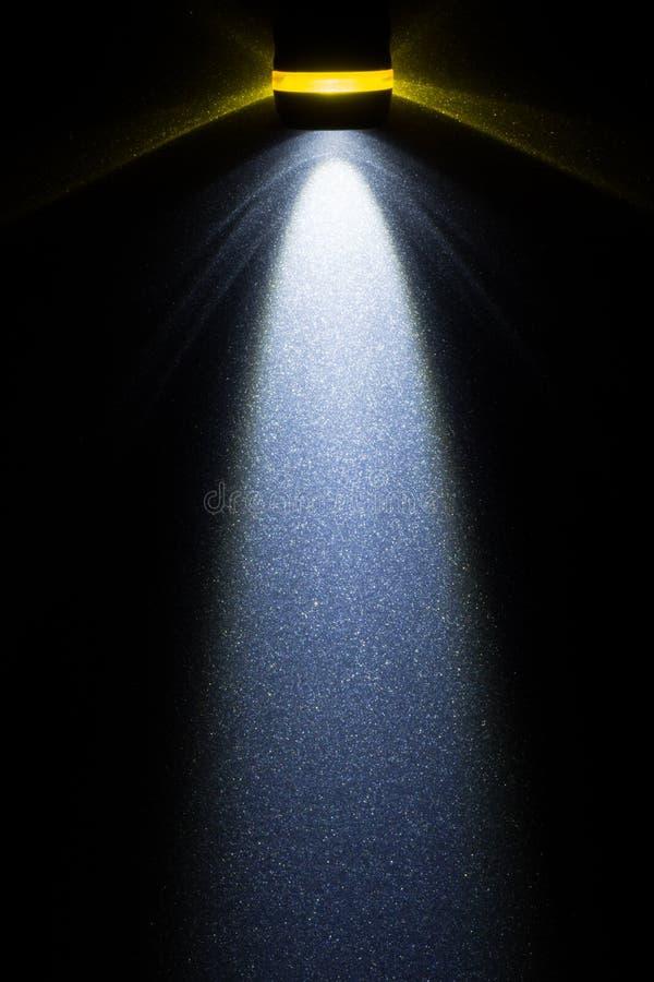 DOWODZONA latarka na metal powierzchni zdjęcia royalty free