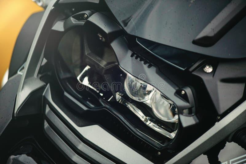Dowodzony motocyklu reflektor obraz stock