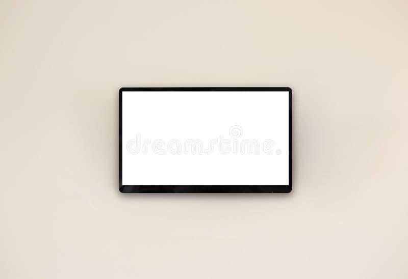 Dowodzony tv obwieszenie na ścianie obrazy royalty free