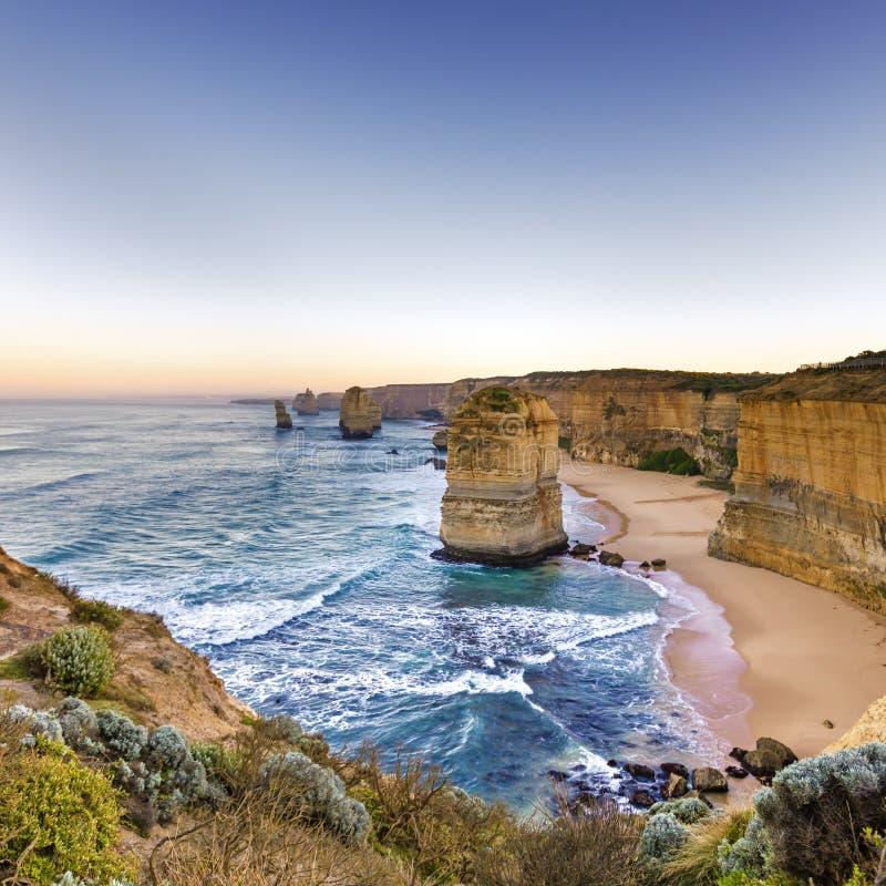 Doze apóstolos Victoria Australia no nascer do sol fotos de stock