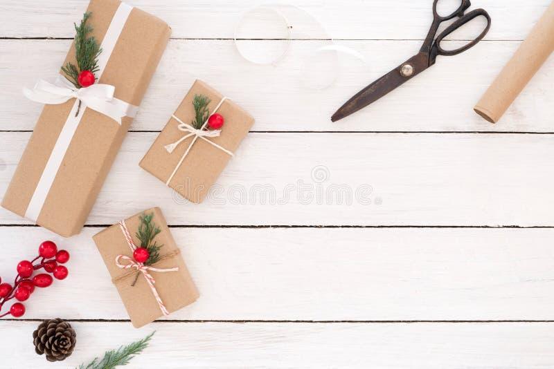 Dozen en hulpmiddelen van de Kerstmis de de huidige gift stock foto